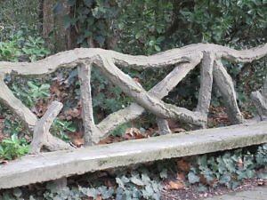 Садовая скамейка в парке Campo Grande